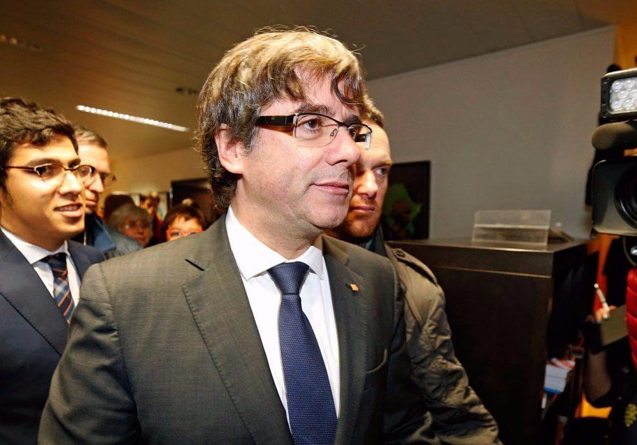 Puigdemont-s-est-livre-a-la-police-belge